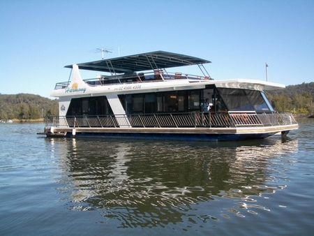 Able Hawkesbury River Houseboats - Dalby Accommodation