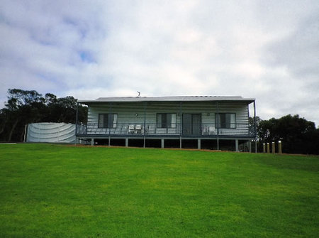 Nutkin Lodge - Dalby Accommodation
