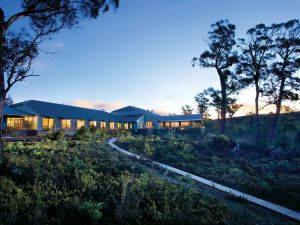 Cradle Mountain Hotel - Dalby Accommodation