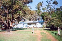 Barrahead Cottage - Dalby Accommodation