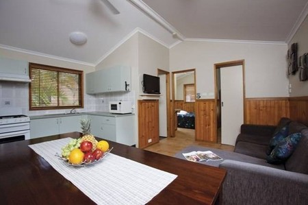 Blue Dolphin Resort & Holiday Park - Dalby Accommodation